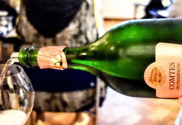Ihana katso kävijöiden fiiliksiä! @gia_matkakuume ・・・ Comtes de Champagne Rosé 2005 at Grand Champagne, Helsinki. Lisää Clovis Taittingerin Master Classista blogissa.  www.matkakuume.net  @social_wines @viinityttaa